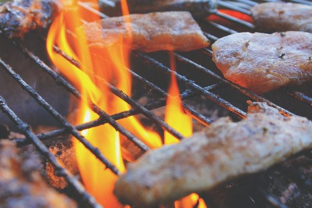 avantages barbecue de charbon